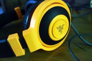 gelbes Headset für Gamer