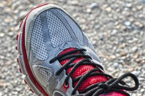 Nike Schuh rot grau