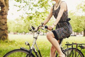 fahrradhelm-mit-sonnenschutz