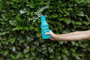 trinkflasche-mit-ring-in-der-nase