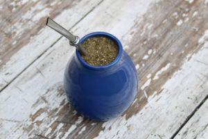 traditioneller mate-tee-und-mate-limonade