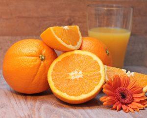 direktsaft-und konzentrat aus orangensaft