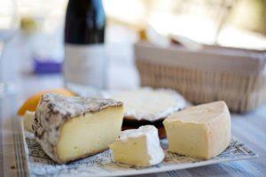 Käsesorten auf einem Teller