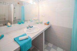 duschvorhang-im-badezimmer