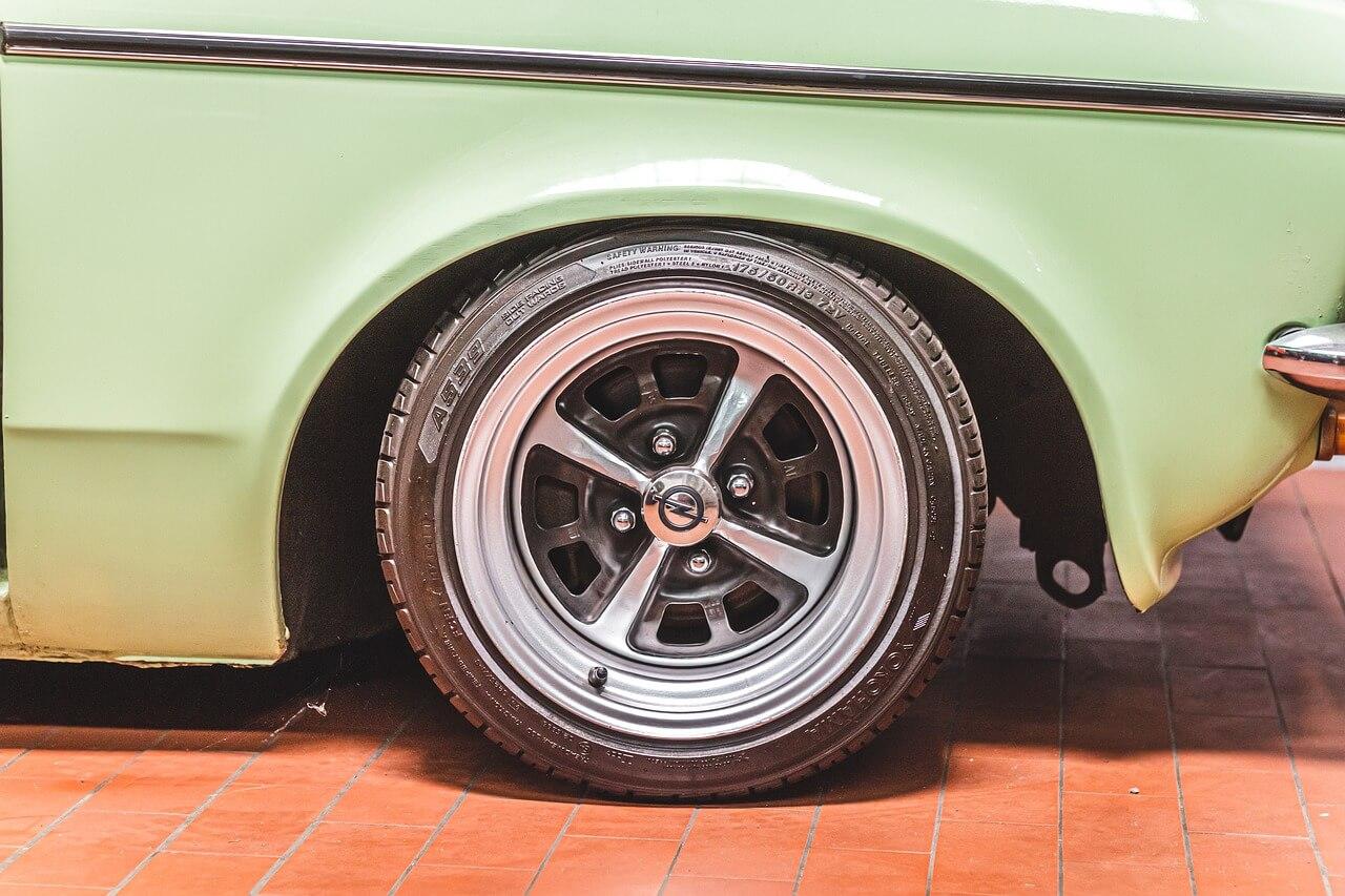 Opel Felgendeckel altmodisch