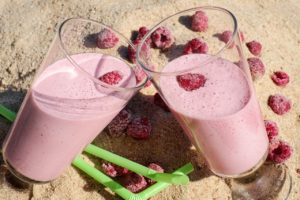 Shake Erdbeer mit Elektrischem Shaker gemixt