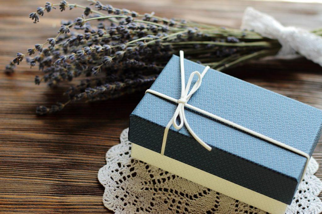 weihnachtsgeschenke-fuer-