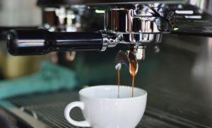 guenstiger-kaffeevollautomat-bis-300-euro