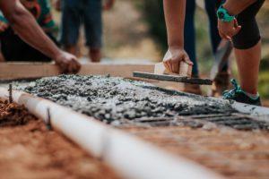 Baustelle mit Arbeitsböcken