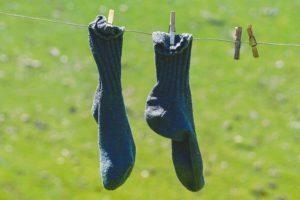 Socken nach dem Verwenden von Sockenstoppfer